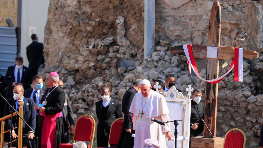 El papa Francisco en la ciudad en ruinas de Mosul, en Irak (Reuters)