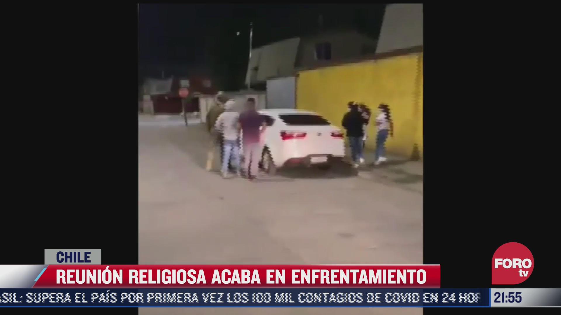 pastor religioso se enfrenta a militares por interrumpir reunion por covid