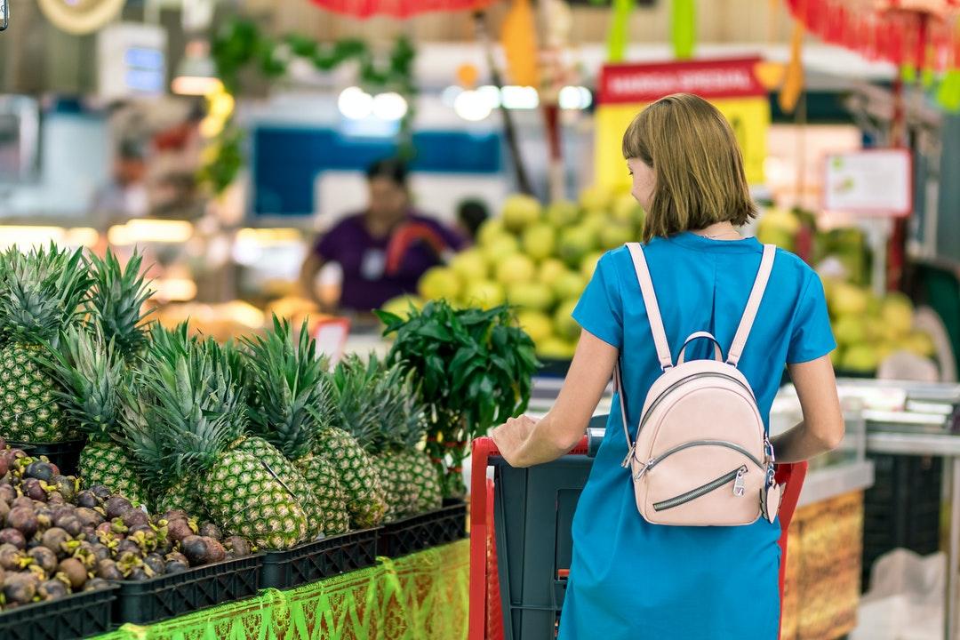 Profeco multará a tiendas que revisen compras de clientes