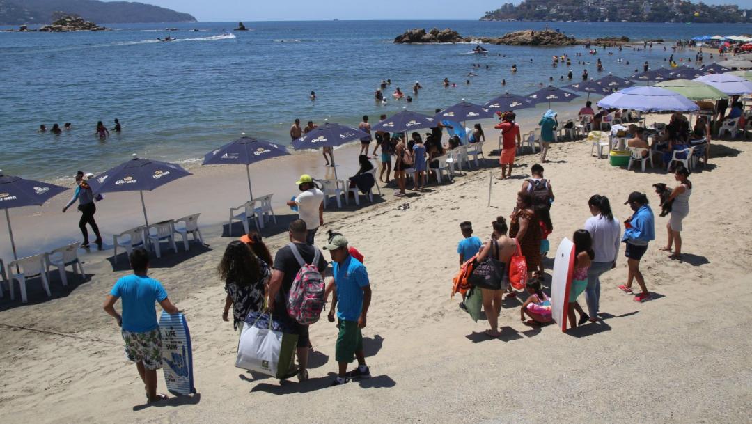 Fotos: Turistas acuden a playas por Semana Santa pese a COVID