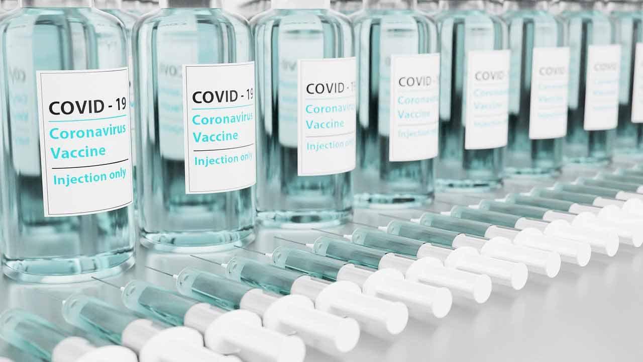 Trombo relacion vacuna covid-19 AstraZeneca