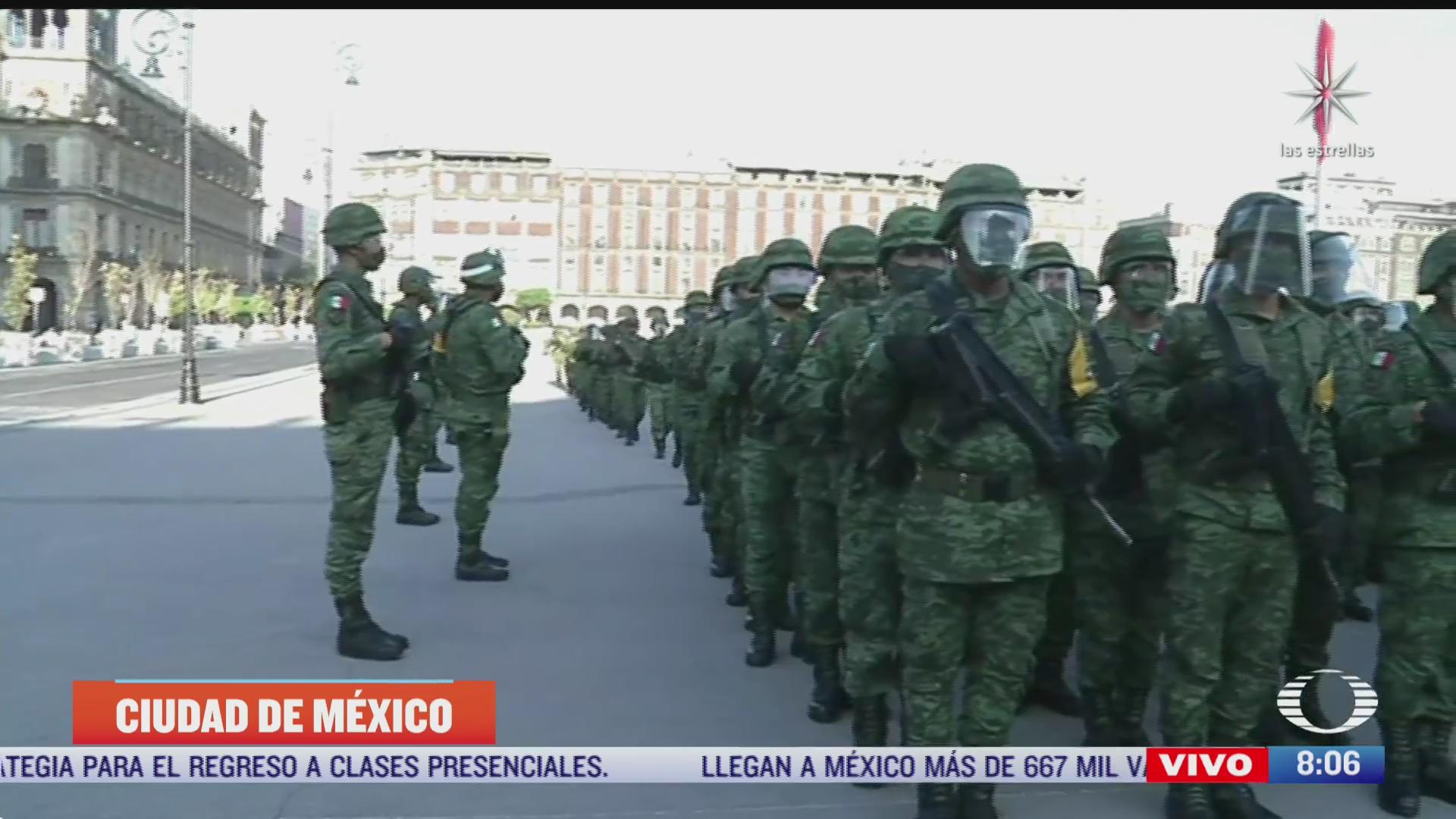 reanudan honores a la bandera en el zocalo cdmx