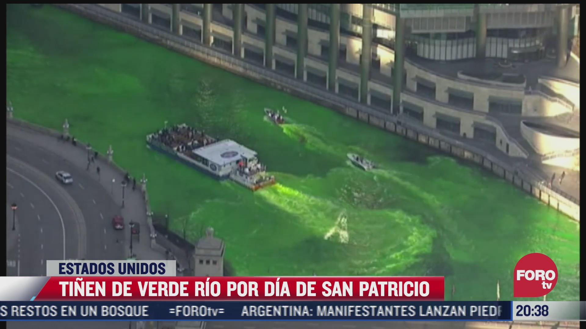 tinen de verde rio por dia de san patricio en eeuu