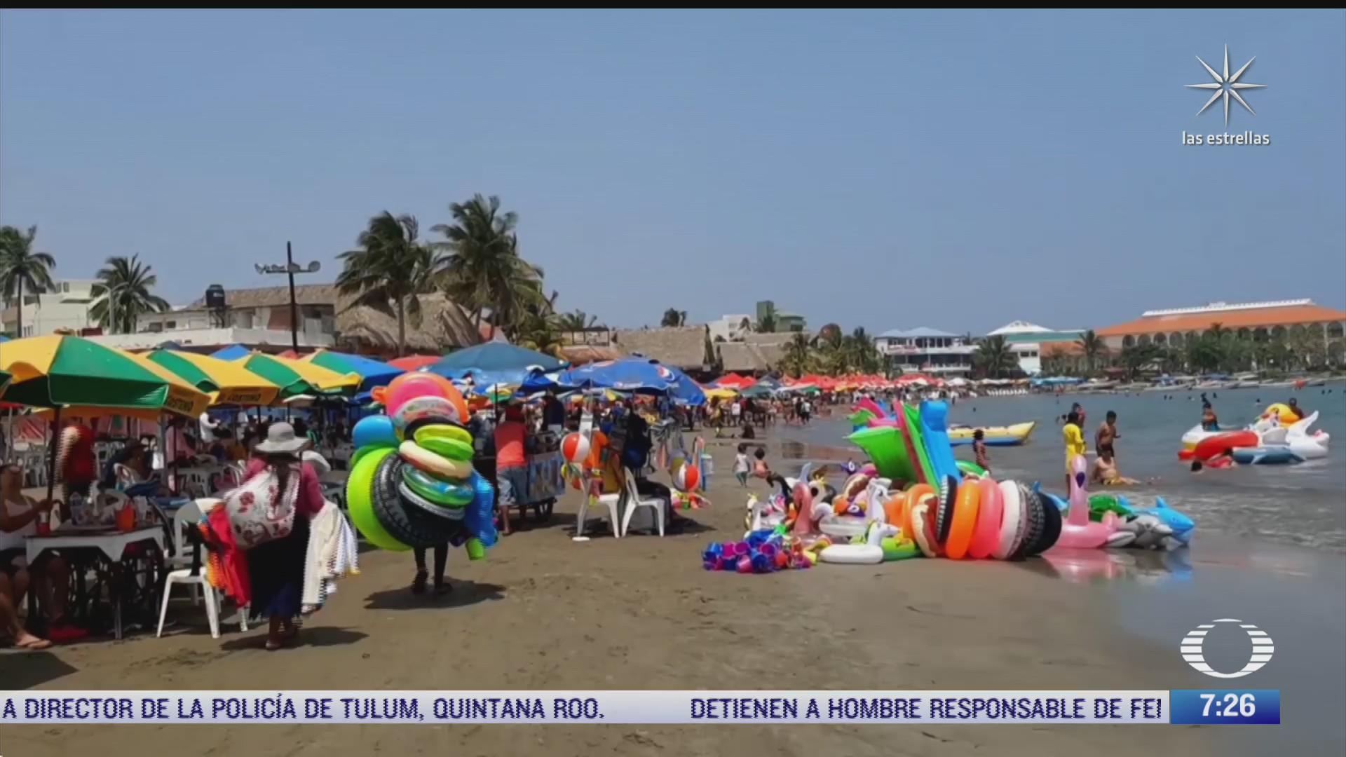 turistas abarrotan playas de veracruz