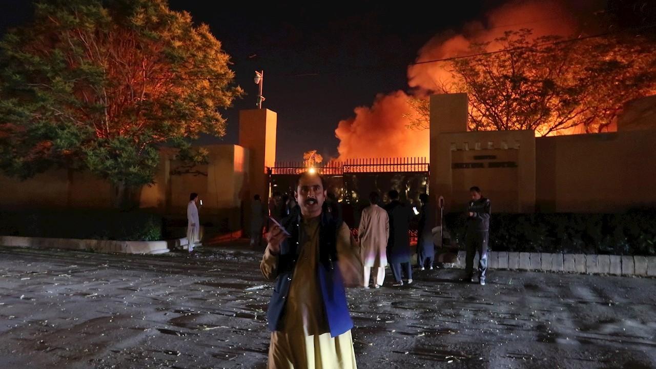 Atentado en hotel de lujo de Pakistán deja varios muertos