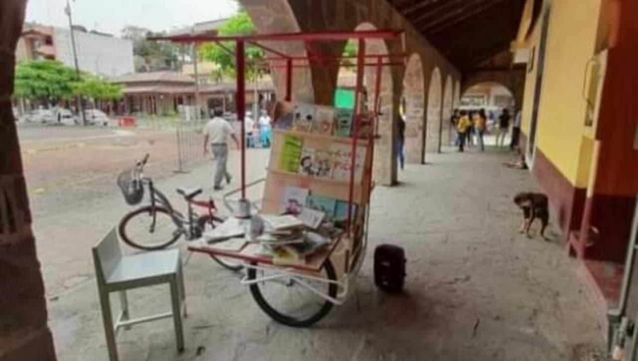 Biciteca recorre Huejutla, Hidalgo, para fomentar la lectura y el deporte