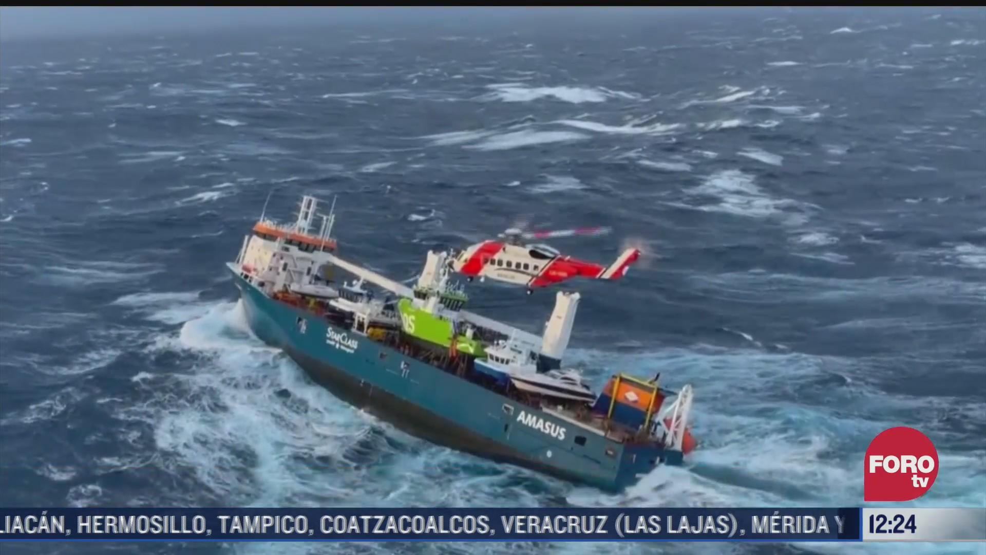 dramatico rescate en buque a la deriva en costas de noruega