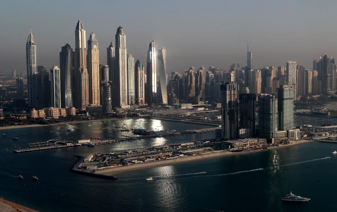 Dubái-deporta-a-varias-personas-por-desnudo-de-mujeres