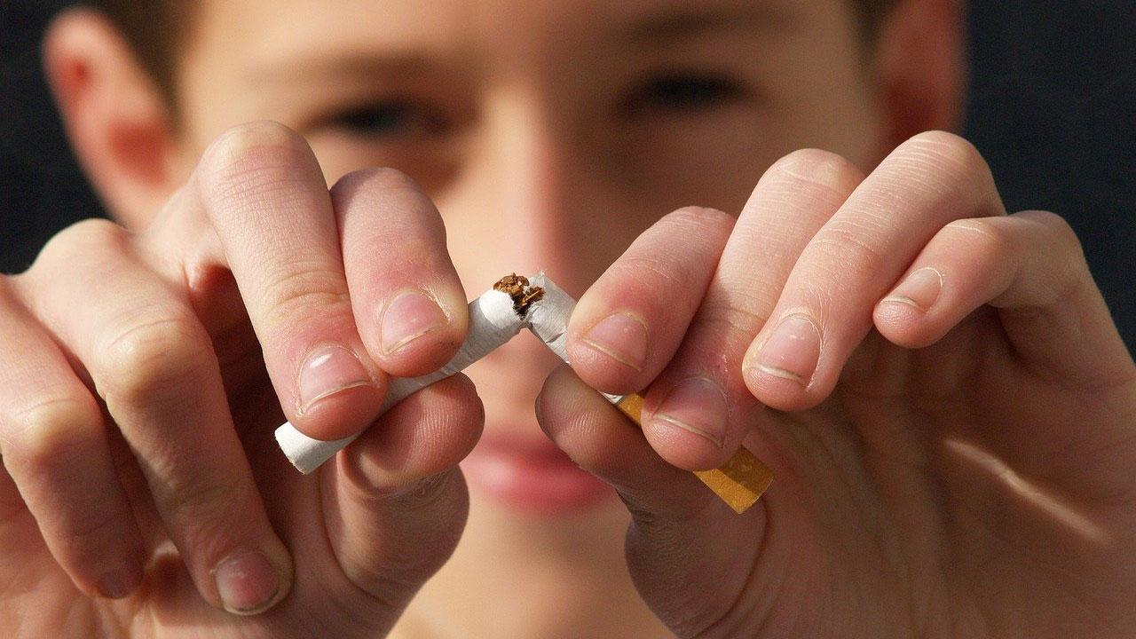 Nueva Zelanda prohibe fumar personas nacidas después 2004