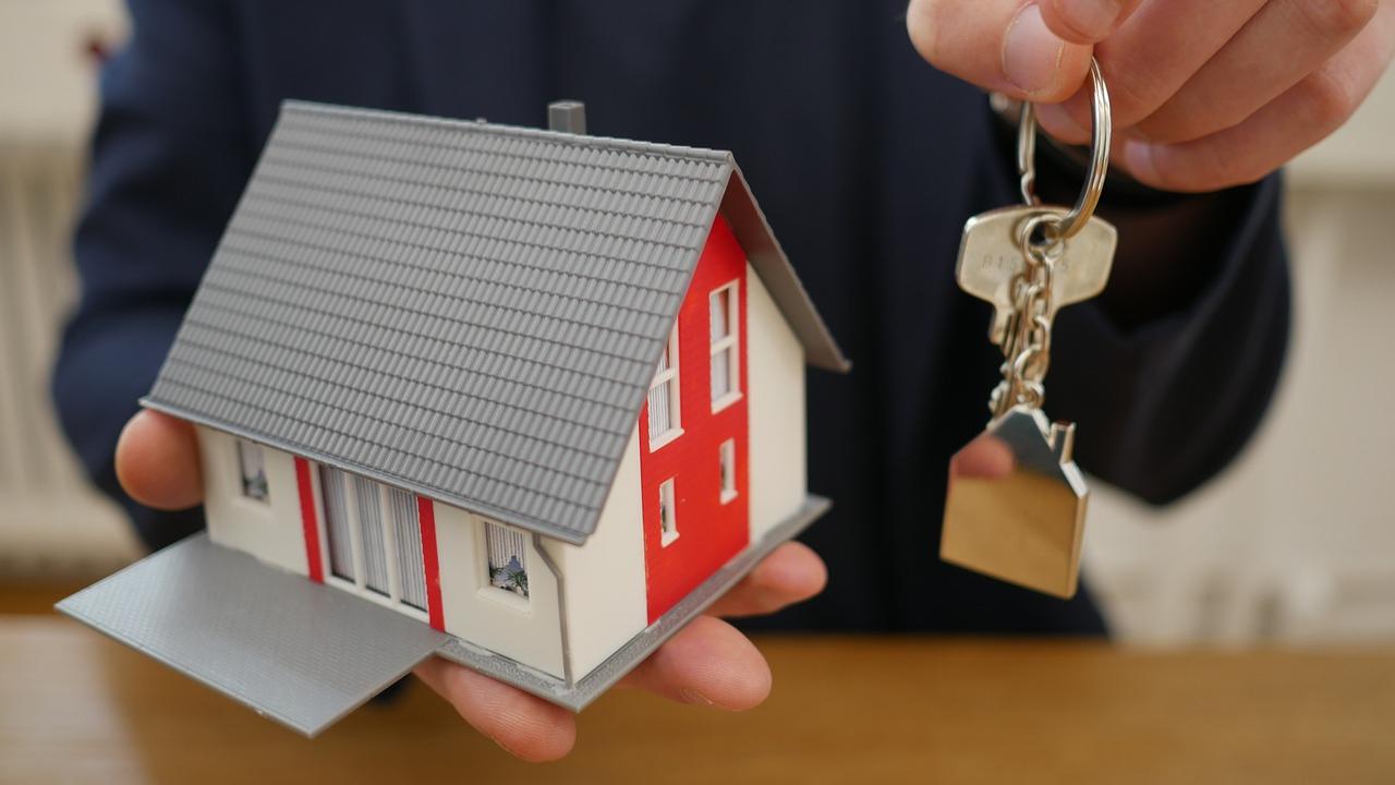 Si no cuentas con un crédito FovisssteoInfonavit para adquirir una vivienda, te daremos una serie de opciones con las que podrás conseguir una casa propia.