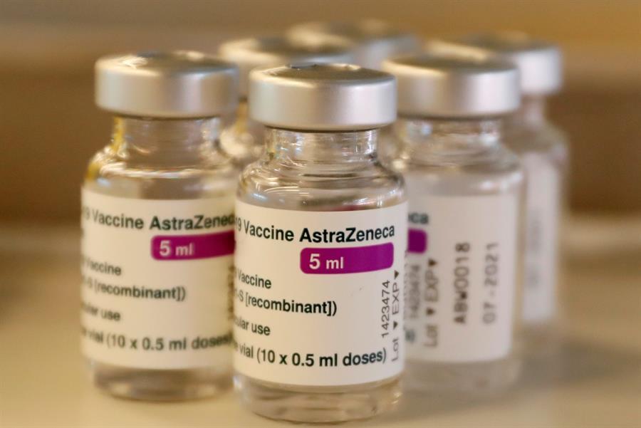 Oxford-frena-prueba-de-vacuna-de-AstraZeneca-en-niños