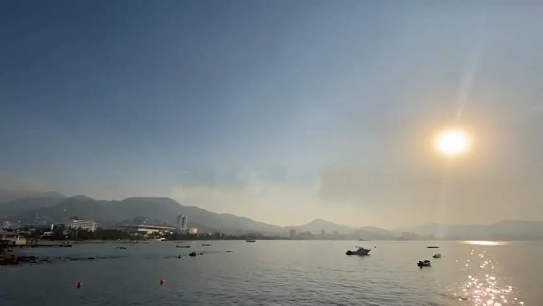 Incendios forestales en Acapulco generan capa de humo en el puerto