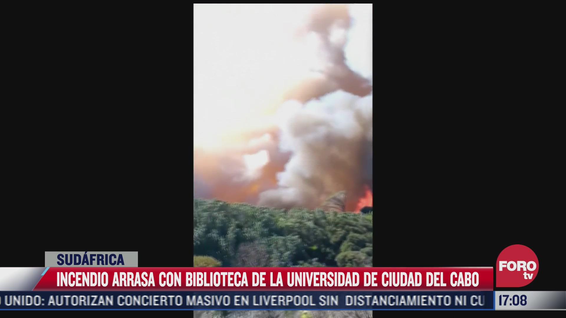 incendio arrasa con biblioteca de la universidad de ciudad del cabo