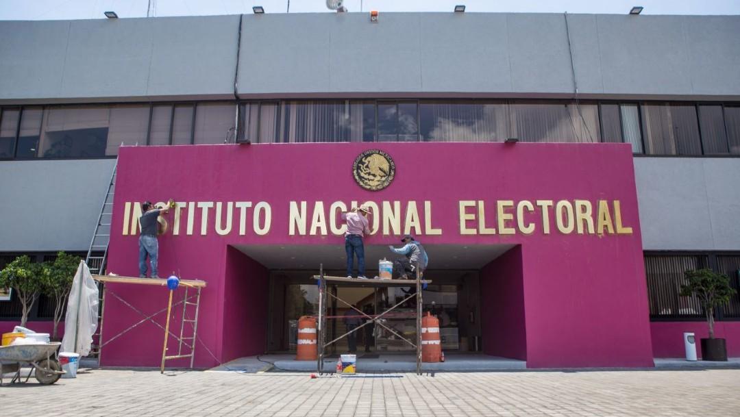 INE aprueba calendario y lineamientos de la primera consulta popular