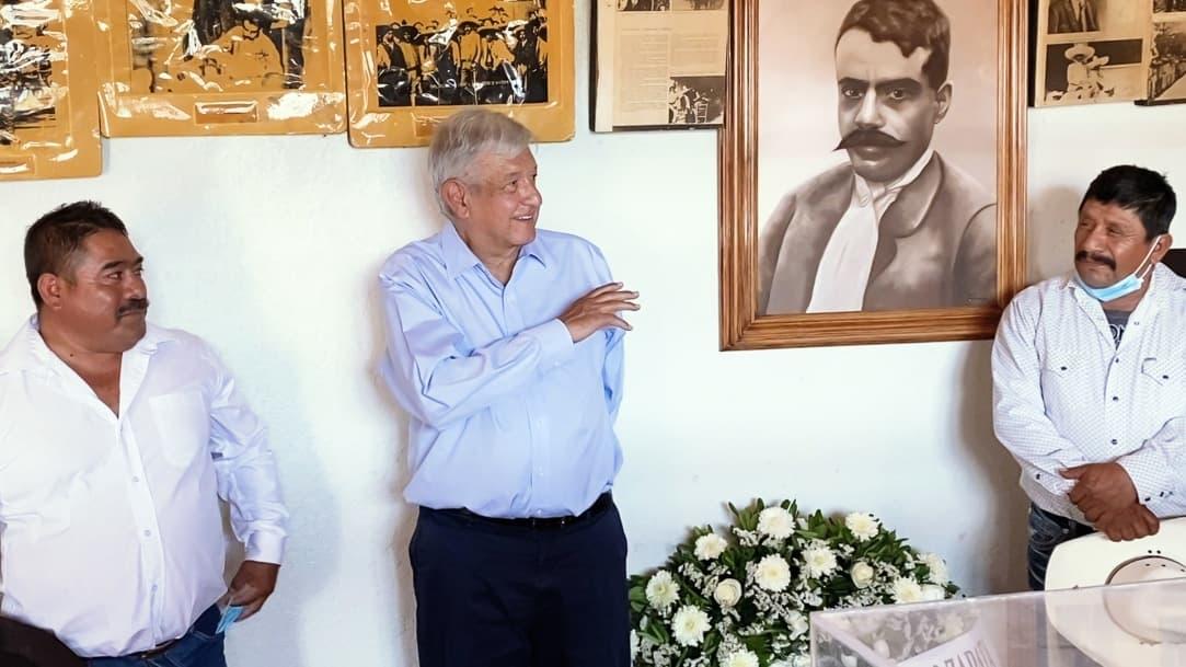 López Obrador conmemora aniversario luctuoso de Zapata en Ayoxuxtla, Puebla
