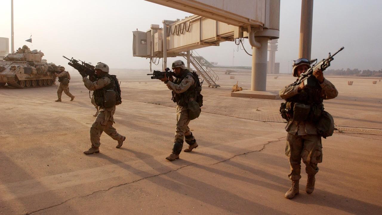 Misiles impactan aeropuerto de Bagdad donde se ubican soldados estadounidenses