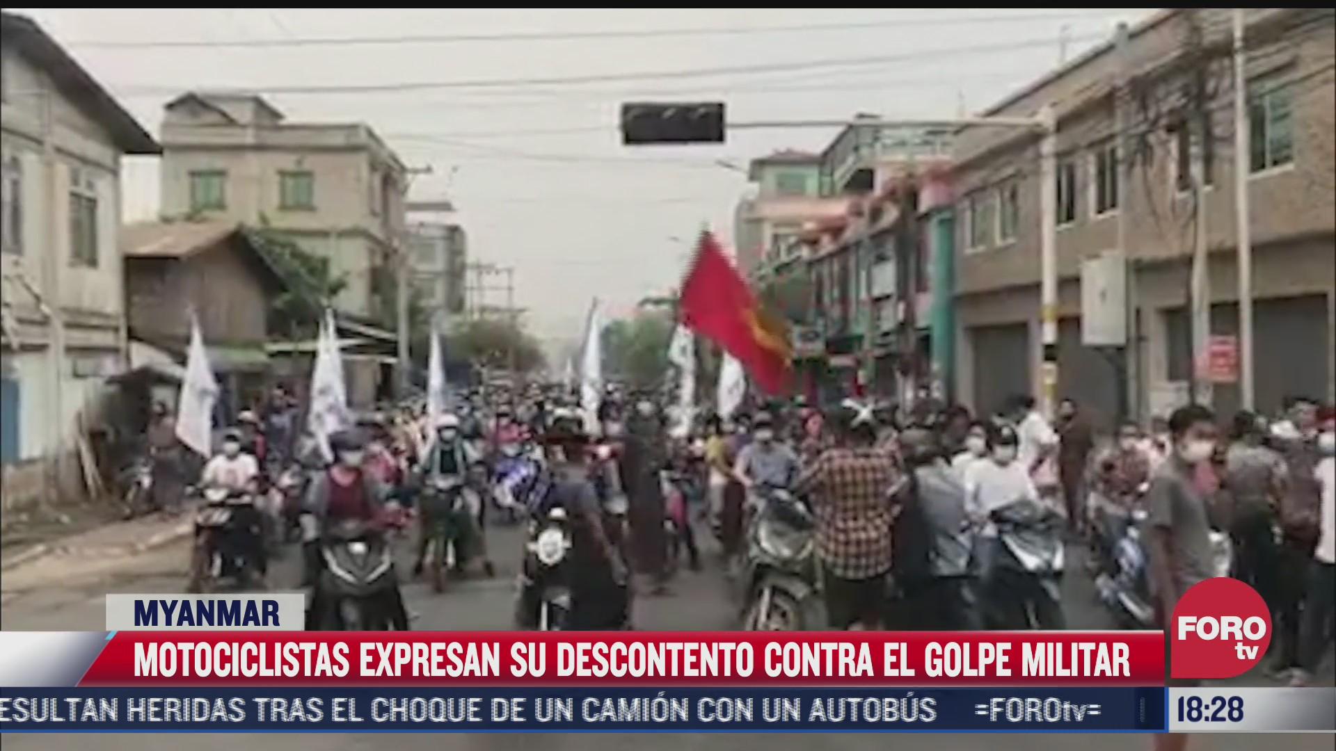 motociclistas expresan su descontento en myanmar