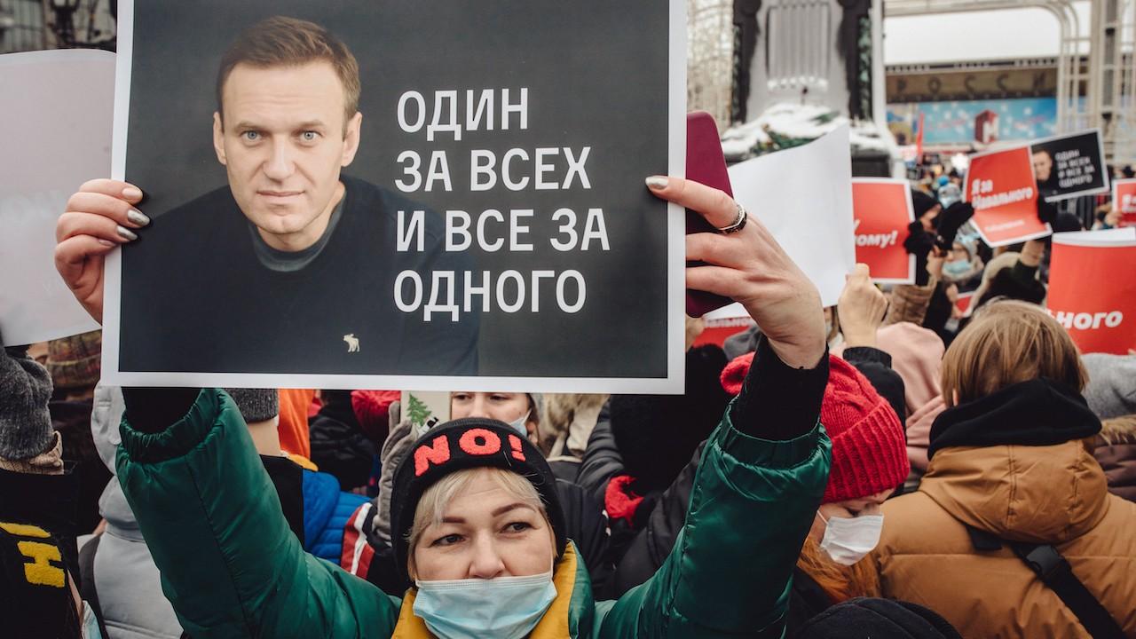 Alexei Navalni podría sufrir un paro cardíaco en cualquier minuto, alertan médicos