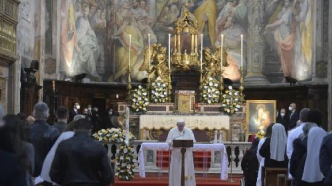 Papa Francisco pide ayudar y compartir, pues no es comunismo, sino cristianismo
