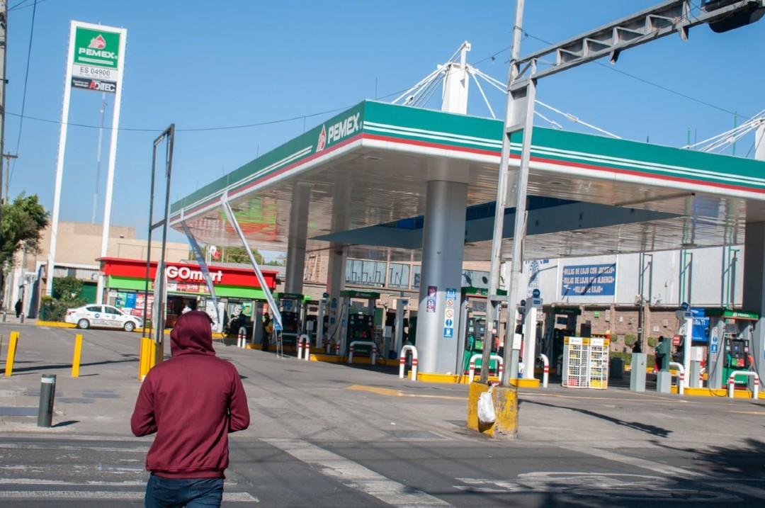 Gasolina-no-subirá-de-precio-este-año-asegura-AMLO