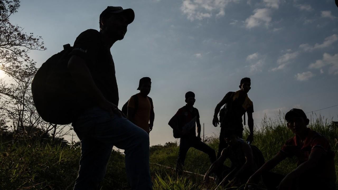 Amnistía Internacional pide a México suspender deportaciones de migrantes por COVID-19
