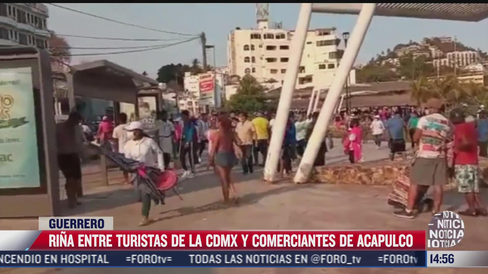 rina entre comerciantes de acapulco y turistas