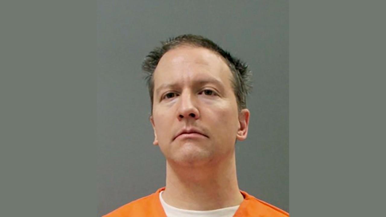 Policía que mató a George Floyd pide sentencia reducida