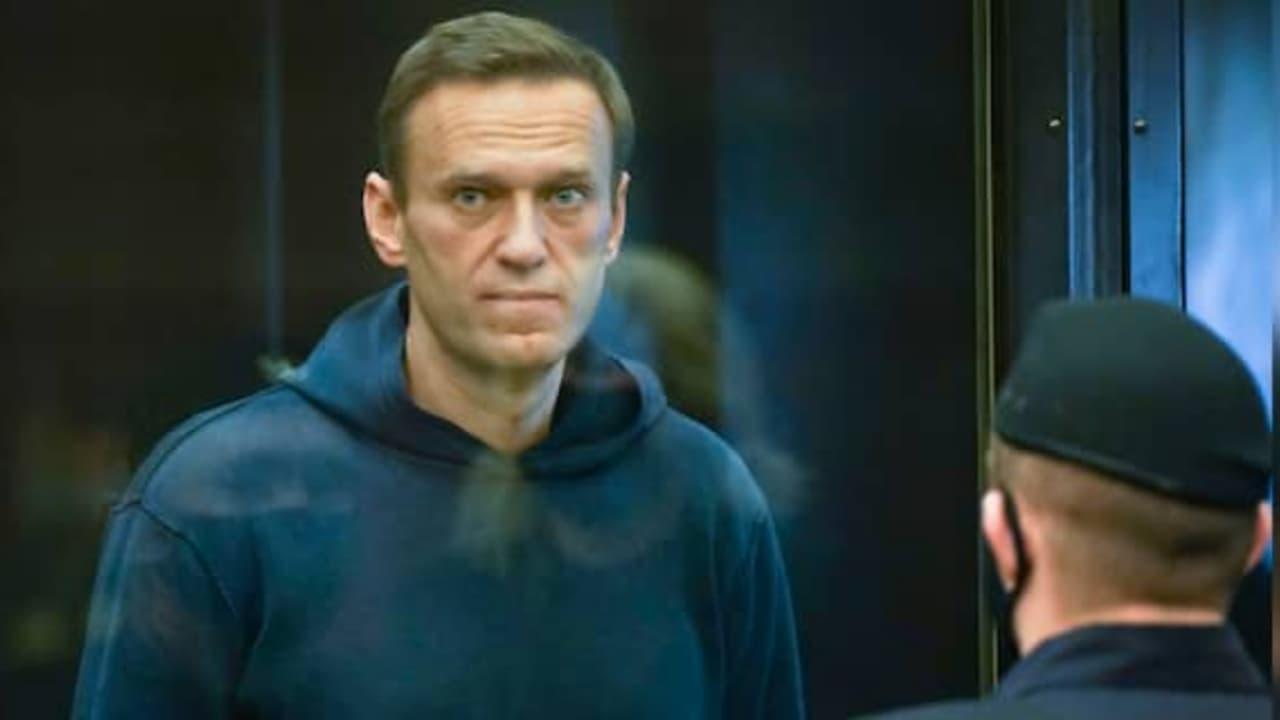 Trasladan a Alexei Navalny a hospital para presos