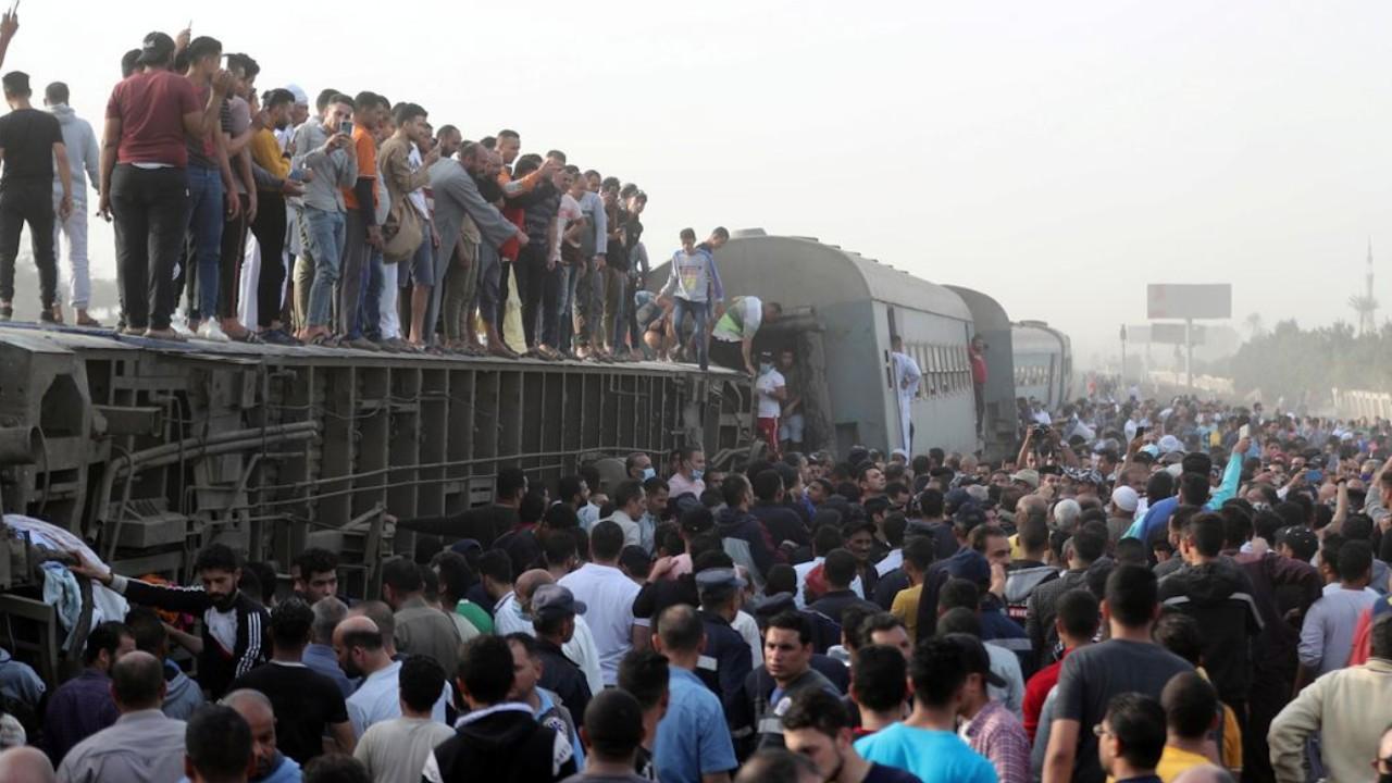 Casi un centenar de heridos en un nuevo accidente ferroviario en Egipto (Reuters)