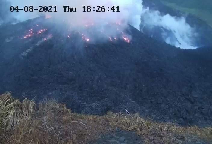 Ordenan evacuar parte de San Vicente ante posible erupción de La Soufriere