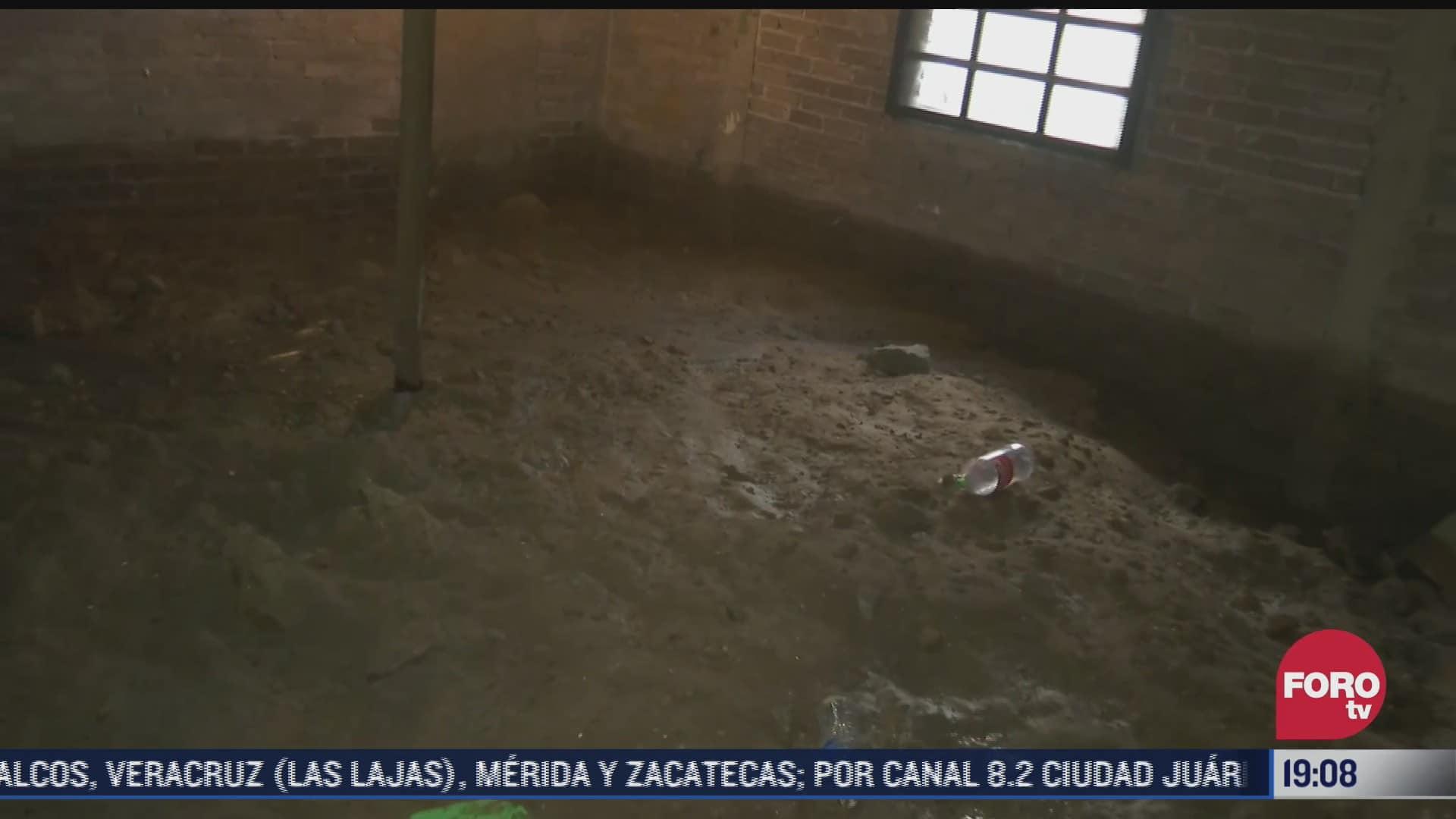 casas llenas de lodo tras fuertes lluvias en chalco, edomex