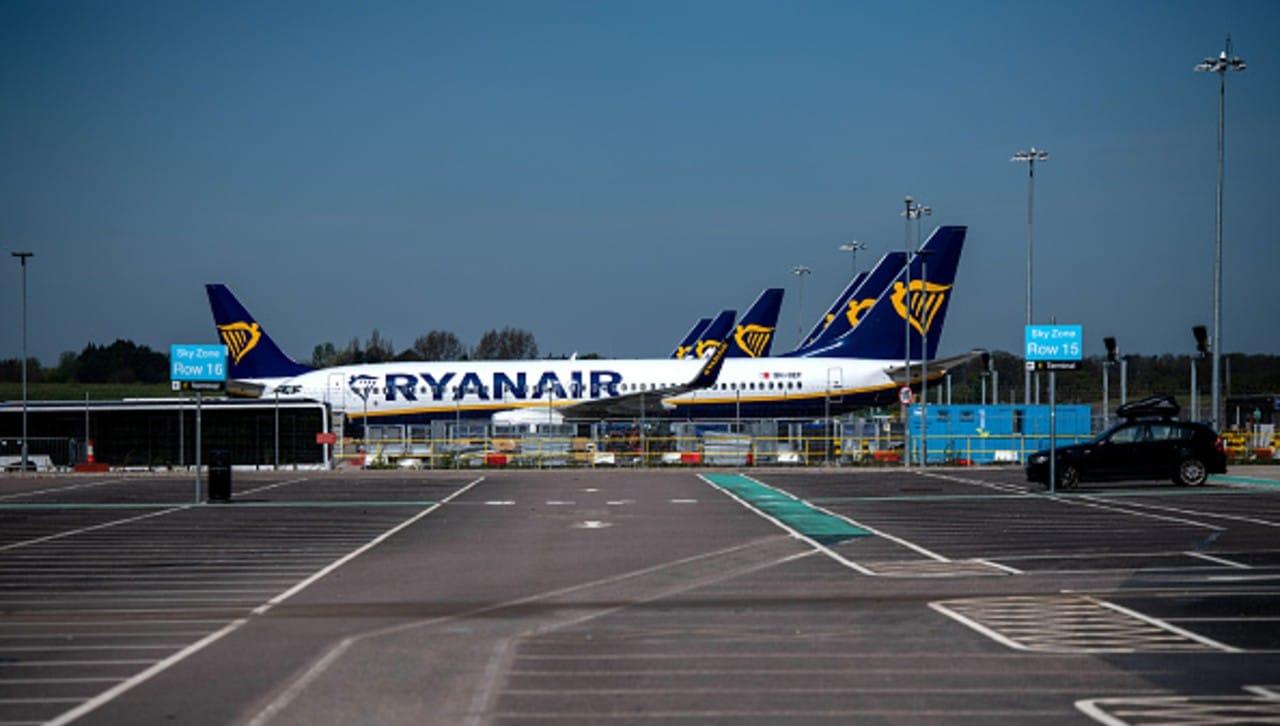 Directivo de Ryanair denuncia agentes de seguridad bielorrusos en avión desviado