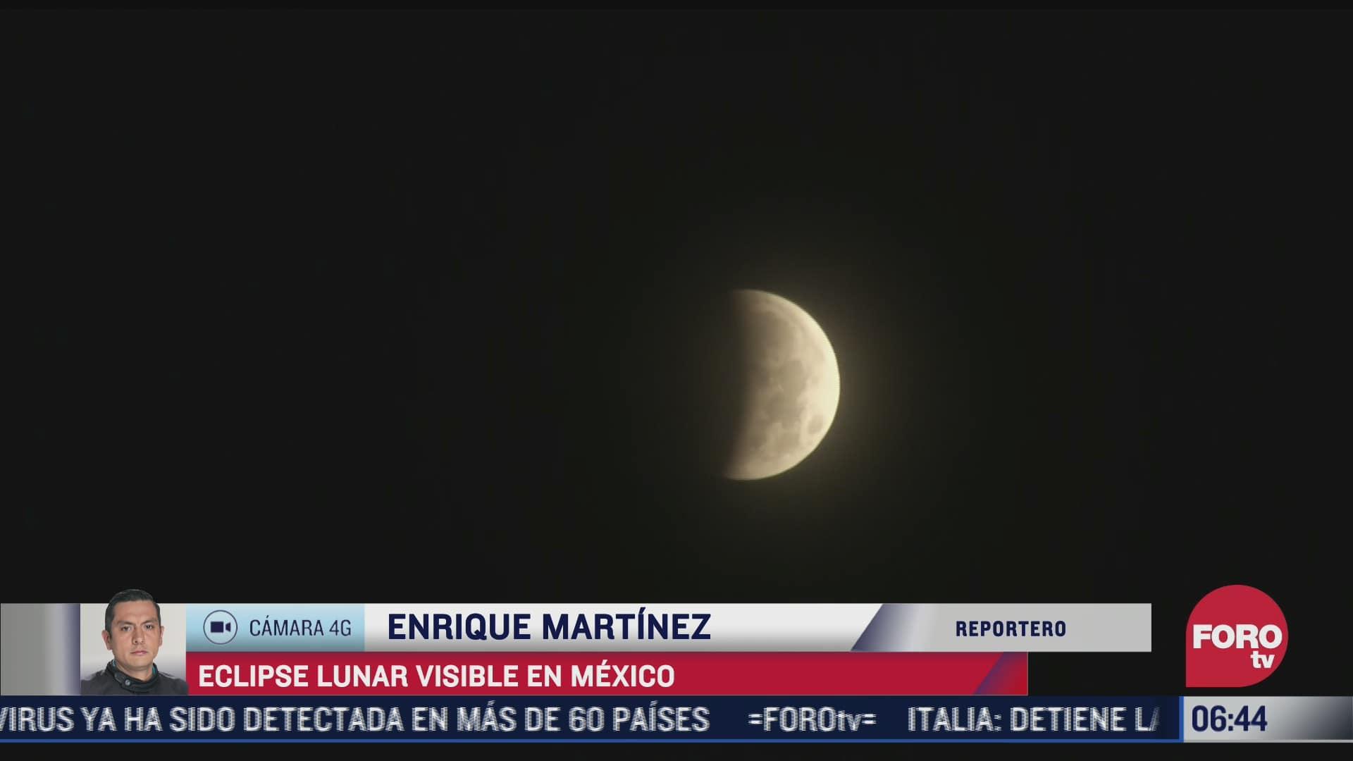 capitalinos disfrutan del eclipse lunar en mexico hoy miercoles 26 de mayo