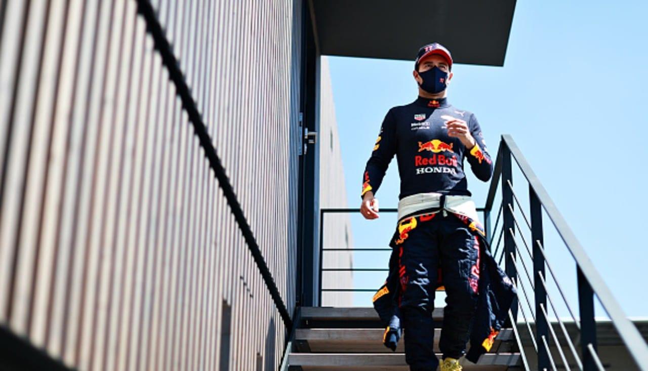 Helmut Marko afirma que Checo se ha adaptado lentamente al monoplaza de Red Bull