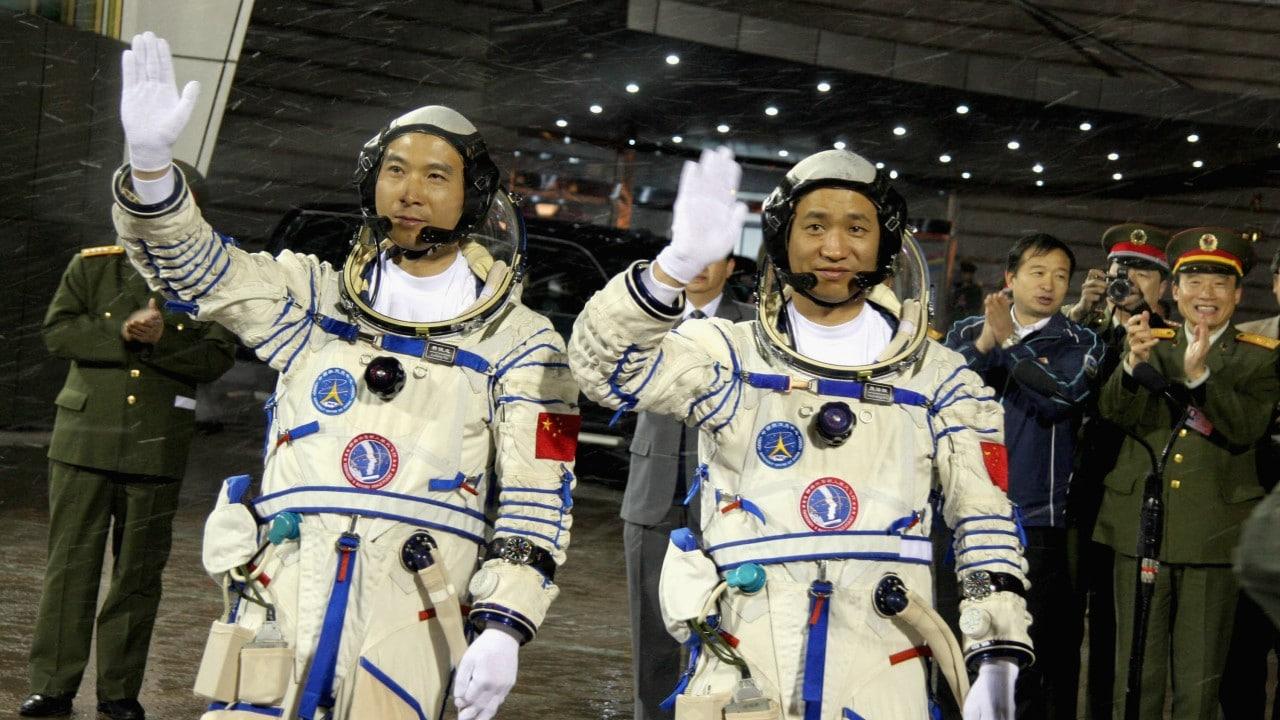 China enviará a tres astronautas a misión de tres meses en estación espacial