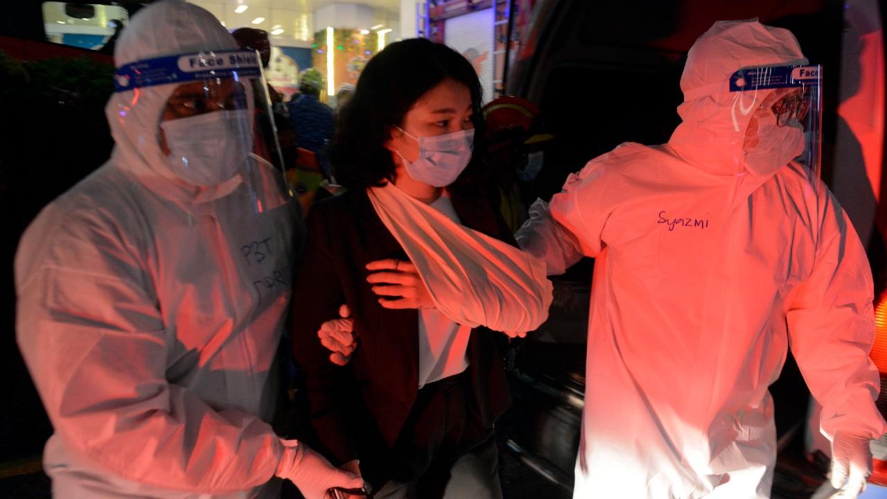 Choque de dos trenes en metro de Kuala Lumpur deja cientos de heridos; afirman que fue 'error humano'.