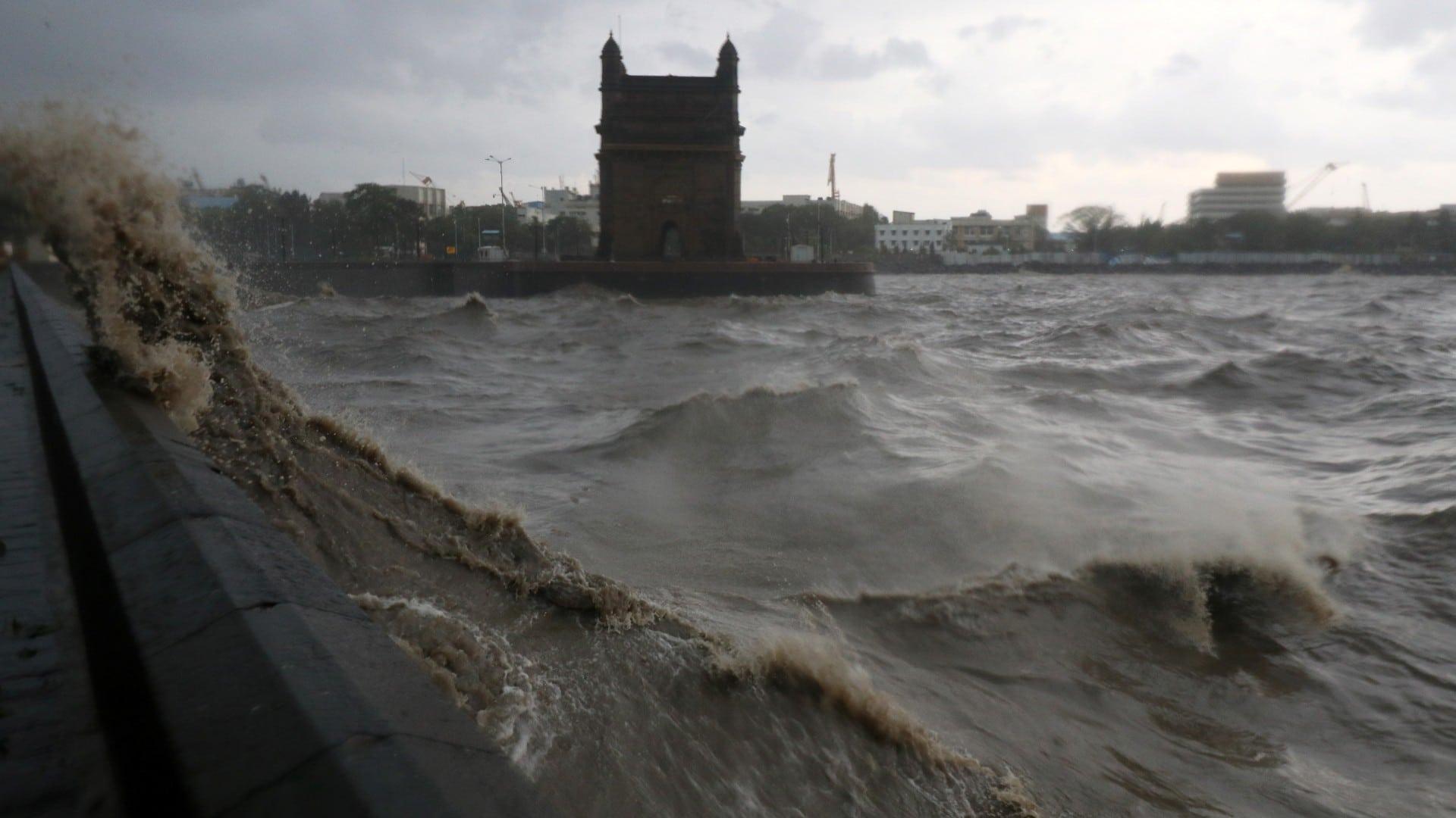 """Ciclón """"extremadamente severo"""" Tauktae deja al menos 14 muertos en India"""