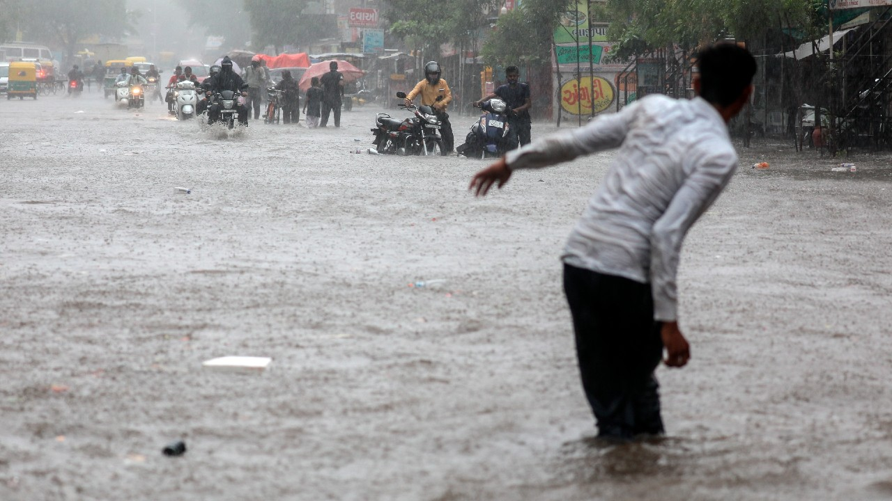 Continúa la búsqueda de 89 personas desaparecidas por ciclón Tauktae en India