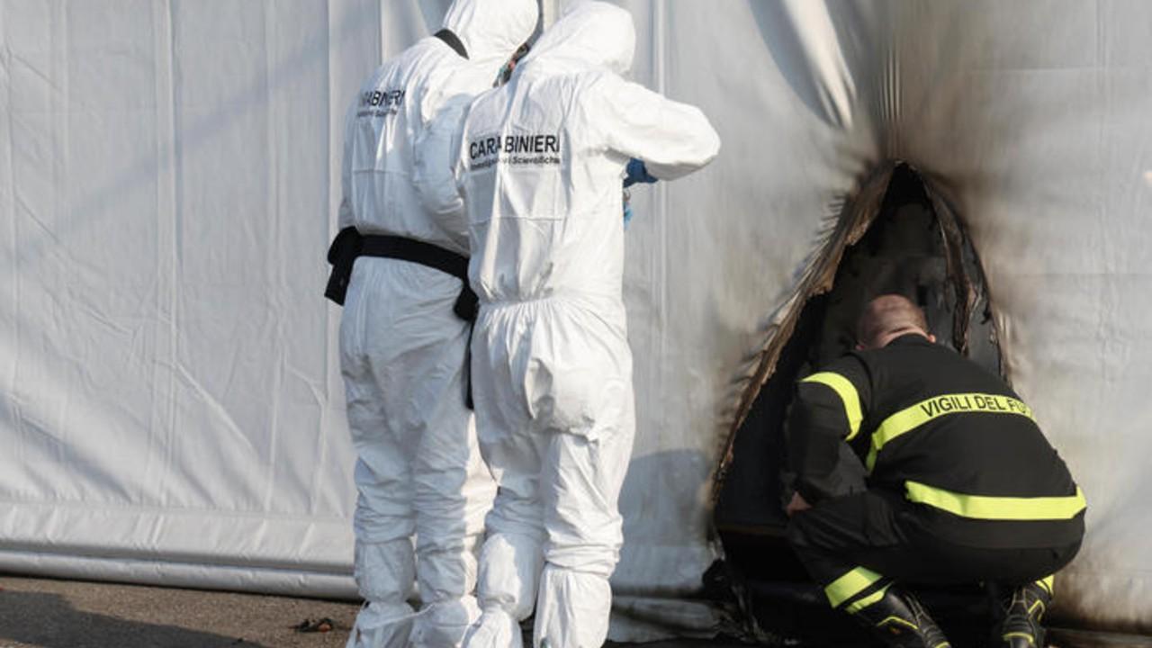Detienen en Italia a dos personas por incendiar un centro de vacunación