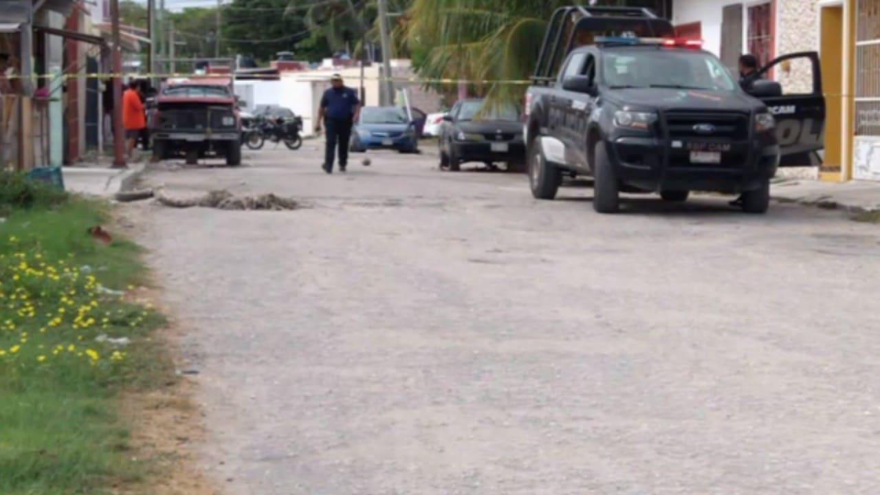 Disparan contra camioneta de equipo de campaña de candidato de Campeche
