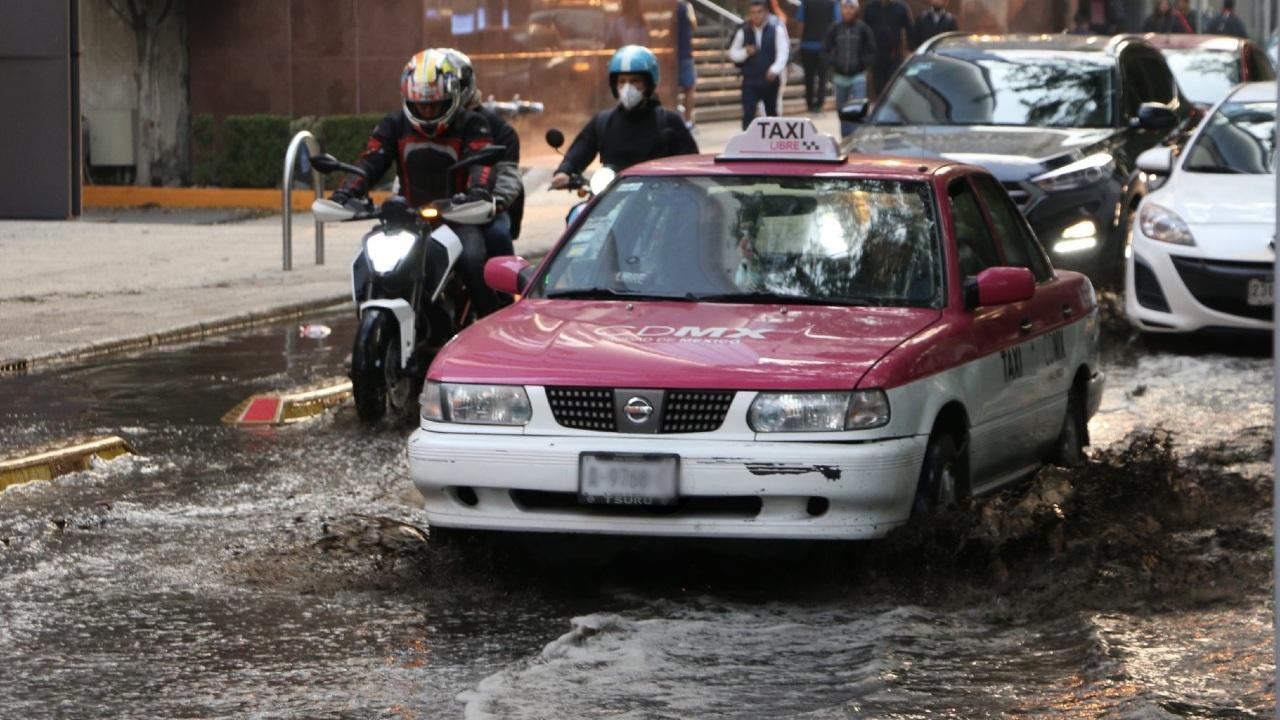 Tras las intensas lluvias se registraron diversos encharcamientos en el Valle de México