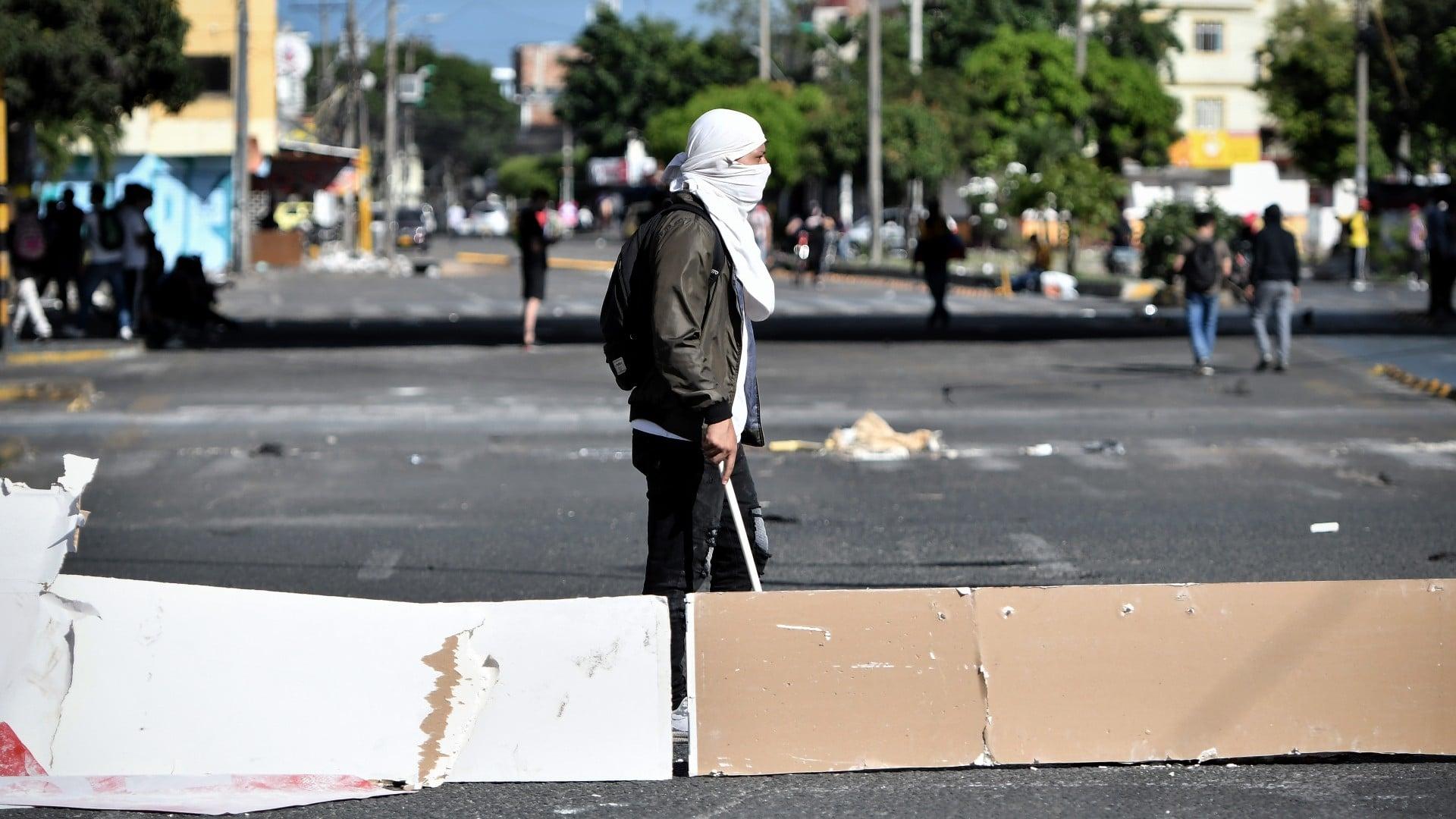 Estallan protestas tras suicidio de una joven en Popayán, Colombia