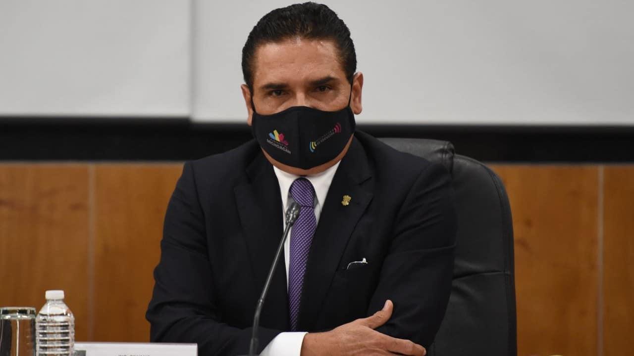 Gobernador Silvano Aureoles lanza amenazas contra candidato en Michoacán, denuncia Morena