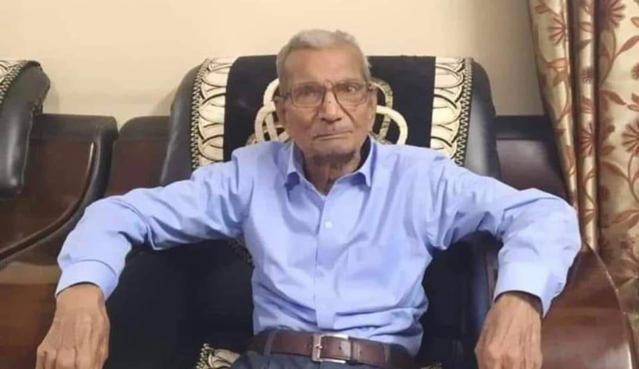Hombre de 85 años muere por covid al dejar cama a otro más joven en India