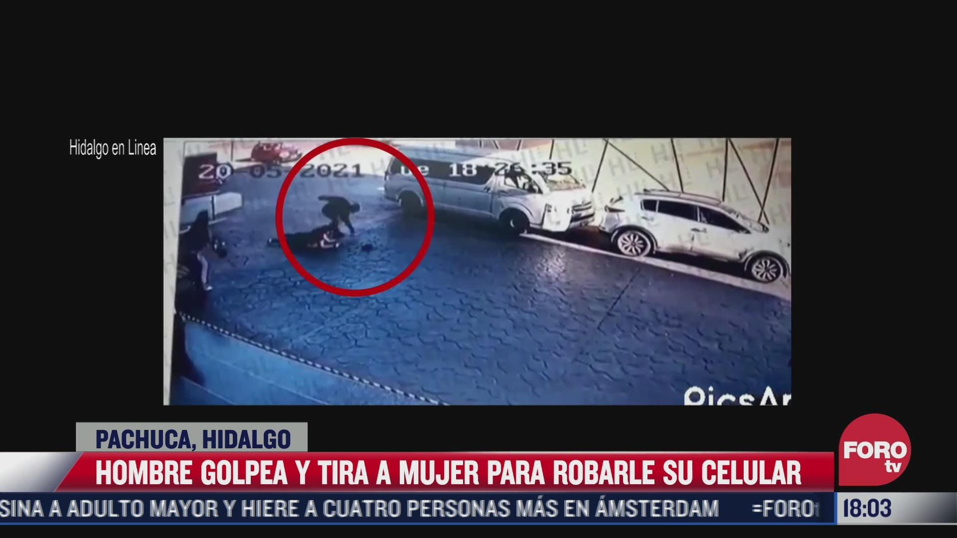 hombre golpea y tira a mujer para robarle celular en hidalgo