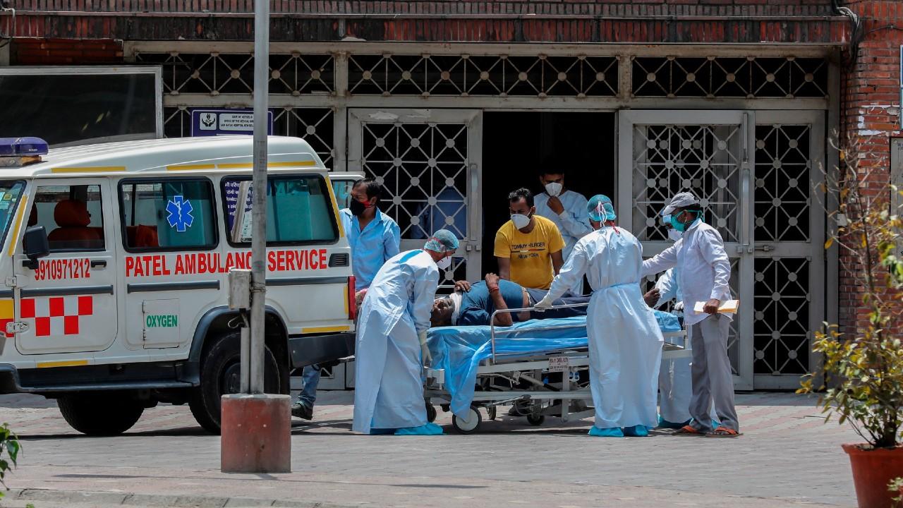 La India registra el número más bajo de infecciones en tres semanas