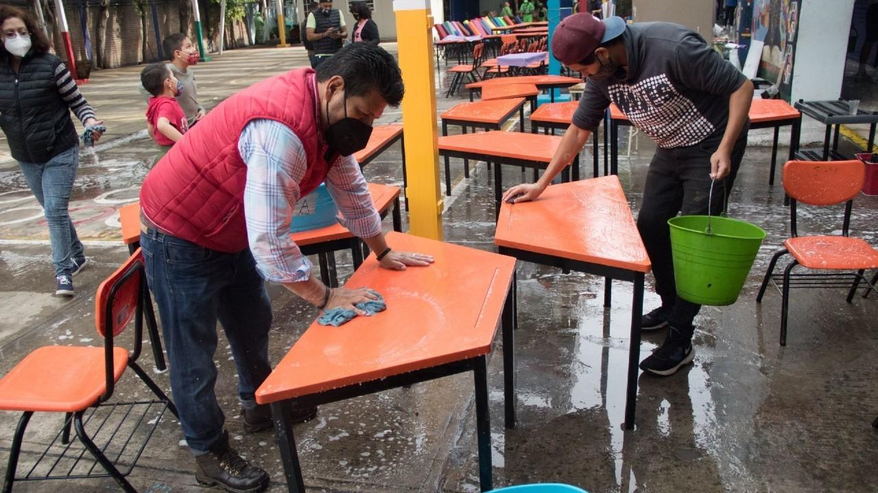 Inician-trabajos-de-limpieza-en-escuelas-de-la-CDMX