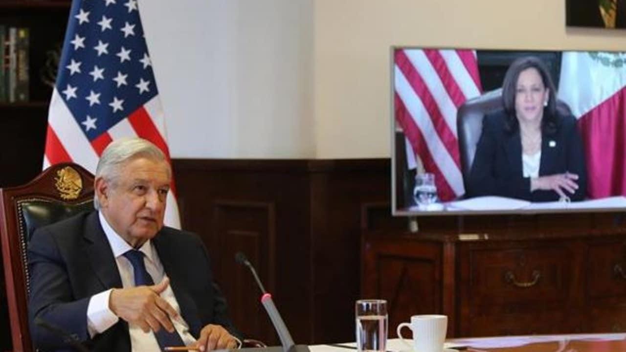 López Obrador en conversación virtual con Kamala Harris