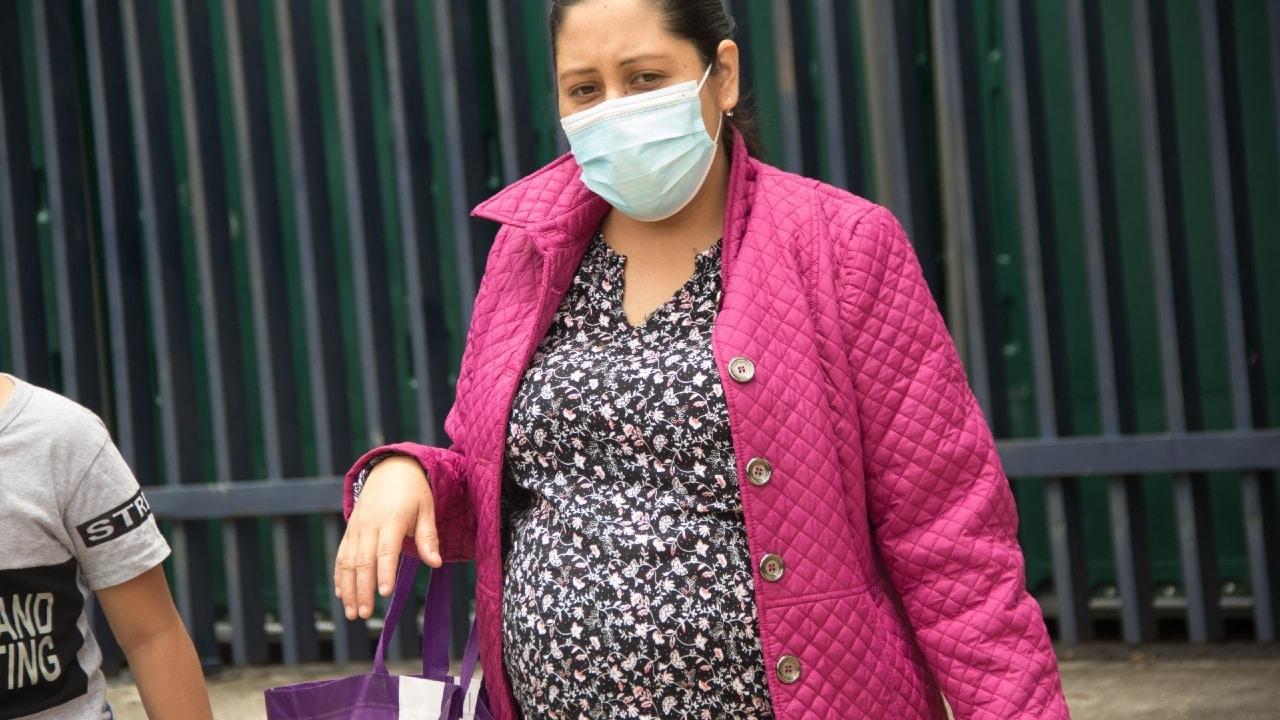 Inicia vacunación COVID-19 para embarazadas en 4 alcaldías de CDMX