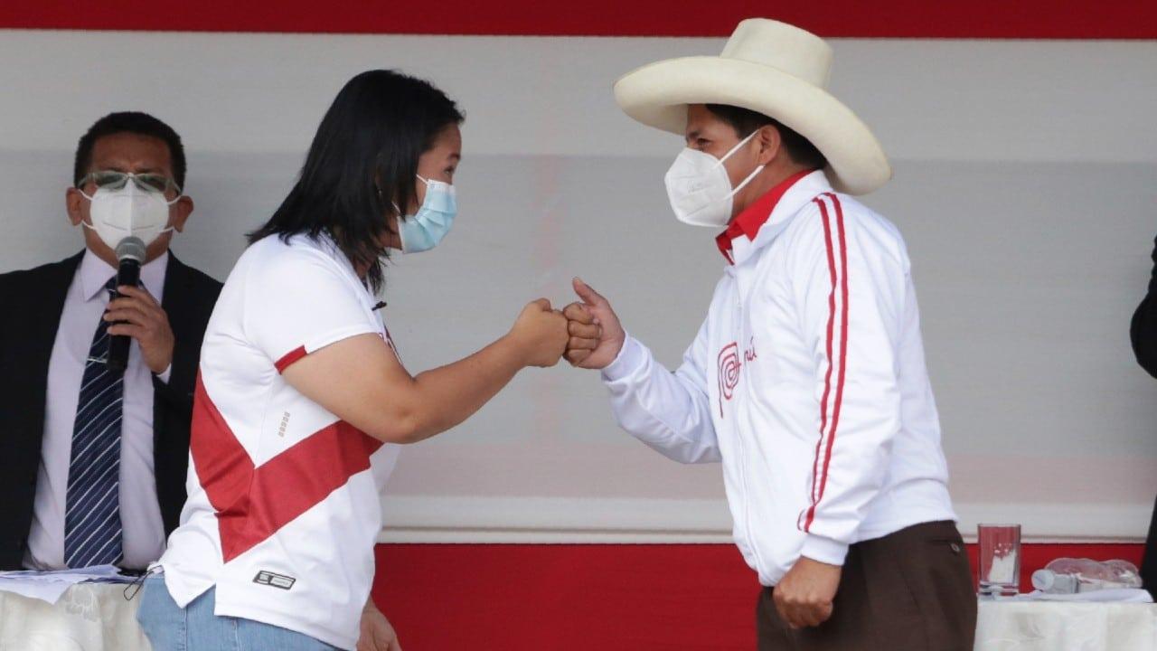 Perú ultima detalles de reñida segunda vuelta entre Fujimori y Castillo